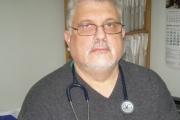 Етичната лекарска комисия засега няма да се произнася за случая с дипломата на д-р Вуцов