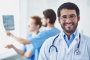 Намаляват лекарите, които търсят работа в чужбина