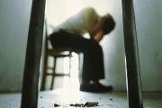 Местата за лежащо болни в психиатриите намаляват непрекъснато