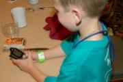 Бизнесът в подкрепа на диабетно болните деца