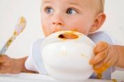 Ранното захранване при бебетата крие риск от алергии