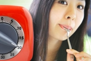 Бавното хранене прави хората по-слаби