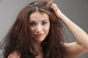 """""""Корените"""" на мазната коса са не само в гените"""