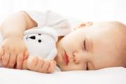 Настинки, вируси и грип намаляват с по-дълъг сън