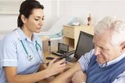 Обмислят въвеждане на 3 квалификационни степени за медсестрите