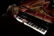 Шумът намалява производителността, музиката я вдига