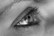 Защо потрепва окото