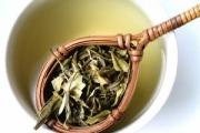 Белият чай бори бръчките