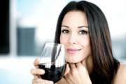 Малко алкохол е полезен за дамите