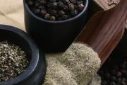 Черният пипер подобрява храносмилането
