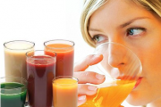 Да изчистим организма си с натурални сокове