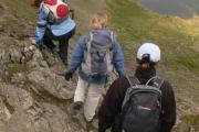 За излет в планината многопластовото облекло е задължително