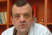 Няма опасност от дефицит на лекарства заради бягството на фармацевтични фирми от България