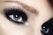 За хубави мигли не заспивайте със спирала за очи